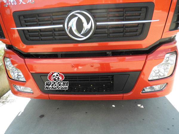 东风汽车配件 东风康明斯 新天龙保险杠总成8406A-C4301