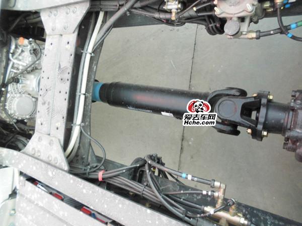 东风汽车配件 东风新天龙传动轴带滑动叉总成(连接变速箱到中桥)2201010-T38H1