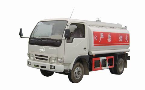 联达牌LD2815G型罐式运油低速货车