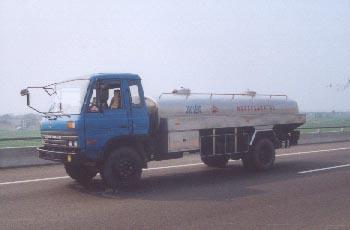 九陵牌XRJ5100GYS型液态食品运输车图片