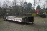 川路牌CGC9310TDP-A型低平板半挂车
