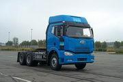解放牌CA4250P66K2T1A1E型6X4平头柴油半挂牵引汽车图片