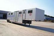 沃德利牌WDL9110XSM型赛马旅居半挂车图片