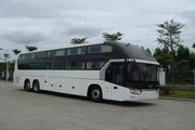 13.7米 24-51座金龙卧铺客车(XMQ6140FPD3C)