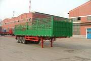 东方红牌LT9383CSY型仓栅式半挂运输车图片
