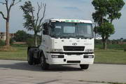 华菱之星牌HN4181C27C4M4型牵引汽车