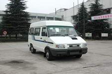 依维柯牌NJ6487SDE6型依维柯轻型客车图片