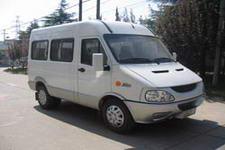 依维柯牌NJ6493ATZ6型依维柯轻型客车图片