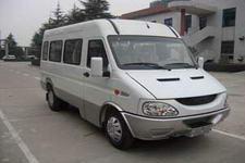 依维柯牌NJ6543ER6型依维柯轻型客车图片