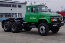 解放牌CA4228K2R5T1EA80型长头柴油牵引车图片