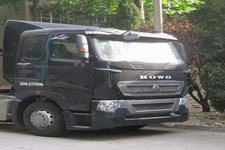 豪泺牌ZZ4187V361HD1B型牵引汽车图片