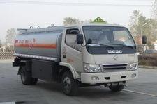 特运牌DTA5070GHY型化工液体运输车图片