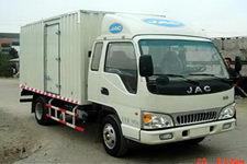 江淮骏铃国三单桥厢式运输车109-129马力5吨以下(HFC5061XXYKR1T)
