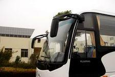金龙牌KLQ6856QE3型旅游客车图片3