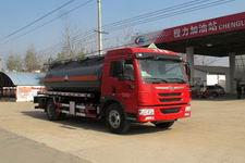 程力威牌CLW5162GFWC4型腐蚀性物品罐式运输车