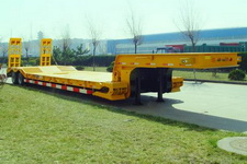 中集14.5米25吨4轴低平板半挂车(ZJV9401TDPQD)