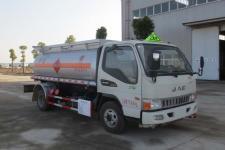 国五江淮易燃液体罐式运输车