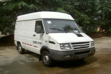 依维柯牌NJ5045XXYQ5A型厢式运输车图片