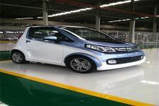 众泰牌JNJ7000EVK1型纯电动轿车图片