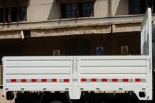 解放牌CA1040K6L3R5E5型载货汽车图片