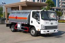 解放五吨加油车多少钱