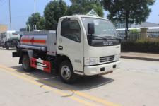国五东风多利卡3吨加油车