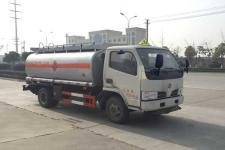 国5多利卡5吨加油车