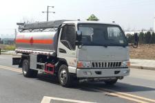 国五江淮5吨加油车