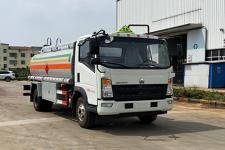重汽豪沃8吨运油车