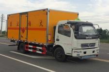 东风多利卡易燃液体厢式运输车
