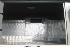 宝龙牌TBL5039XYCF5型防弹运钞车图片