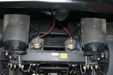 特运牌DTA9402GYY型铝合金运油半挂车图片