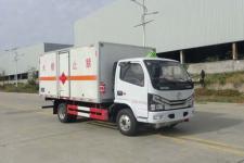 东风多利卡国六4米2易燃液体厢式运输车