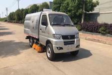 国六东风小型扫路车的价格/2600轴距扫路车13635739799