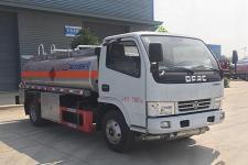 5吨油车的价格   小加车的报价  多利卡油车的配置