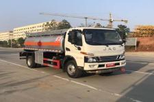 专威牌HTW5121GJYJHQ6型加油车