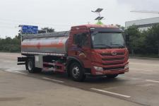 專威牌HTW5185GYYC6C型運油車