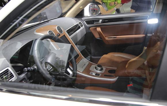 野马纯电动SUV E70首发 预计售价26万高清图片
