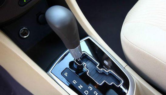 所以建议新手在选择第一辆车时尽量选择自动挡车型,如果比较喜欢驾驶