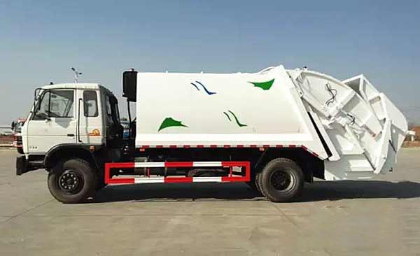 中联重科生产的压缩式垃圾车已经成为全球主流的垃圾车型